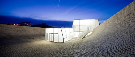 Museum of Ocean and Surf / Steven Holl Architects in collaboration with Solange Fabiao | ArchDaily