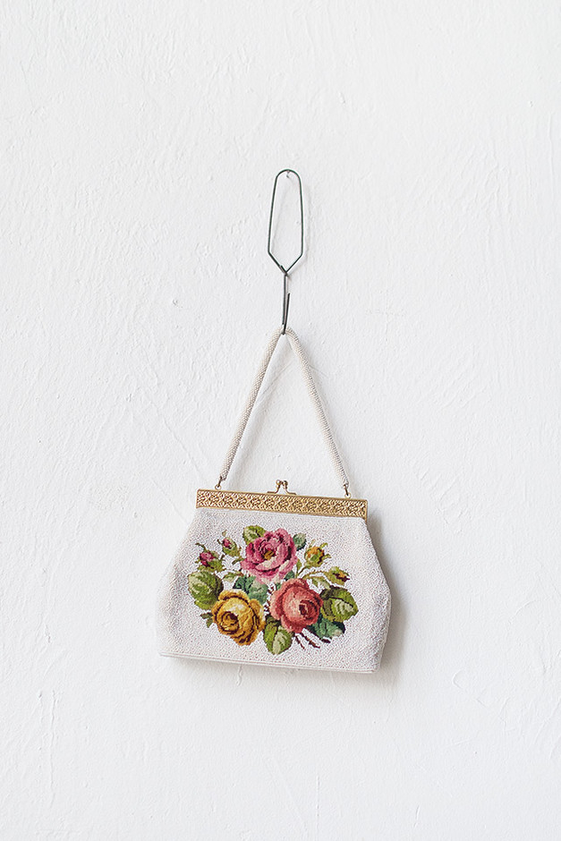 vintage 1950s white beaded rose purse [Spring in Louviers Purse] - $68.00 : ADORED | VINTAGE, Vintage Clothing Online Store