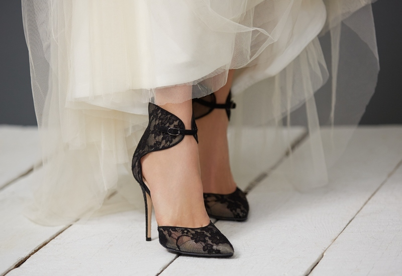 Wedding Trends // If The Bridal Shoe Fits – NAWO
