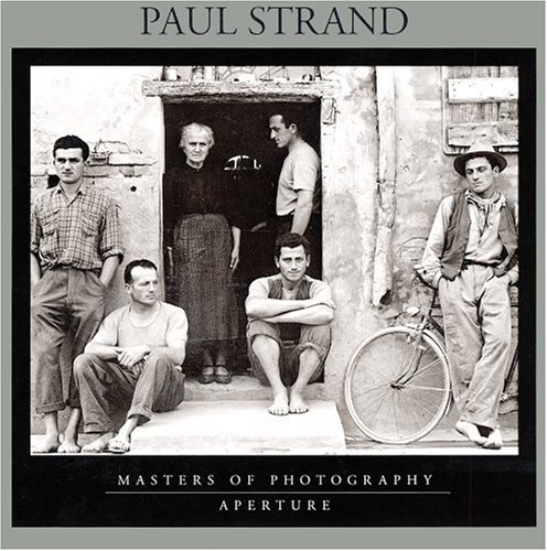 Amazon.co.jp: Paul Strand (Masters of Photography Series): Mark Haworth-Booth: 洋書