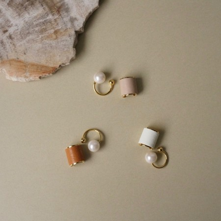 leather pearl earcuff WH/NU/BR