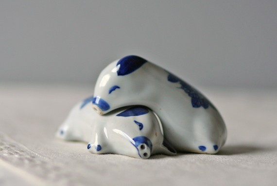 vintage porcelain salt pepper shakers lounging by ModishVintage