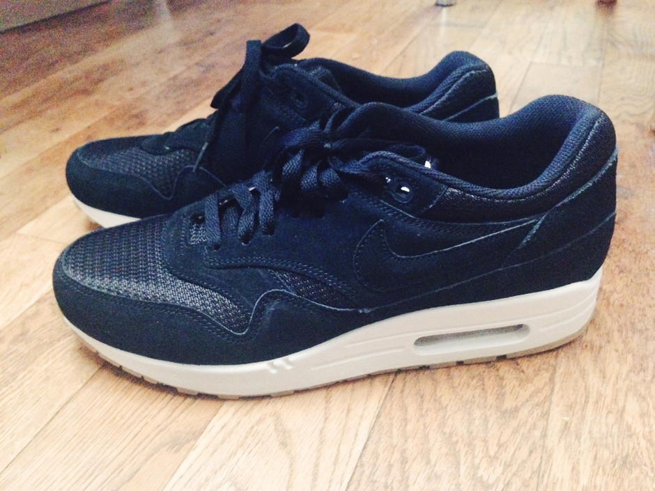 Nike iD / Air Max 1Black x Black | Flickr - Photo Sharing!