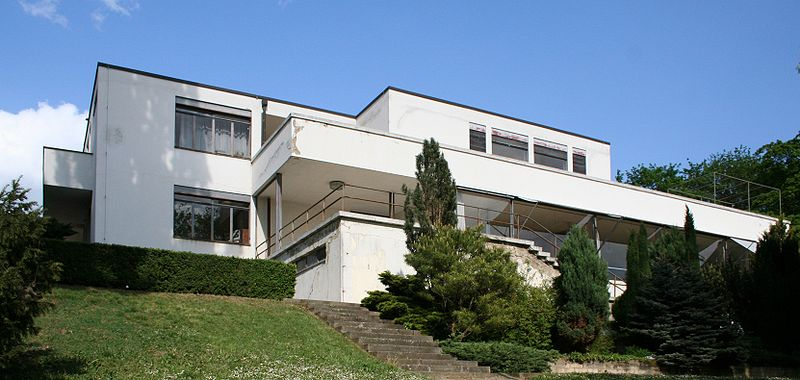ファイル:Villa Tugendhat-20070429.jpeg - Wikipedia
