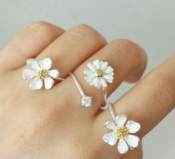 Style Some1 : Daisy Flower Ring