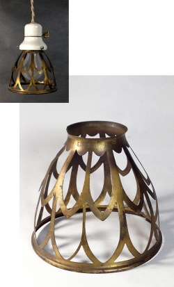 """1930's """"Odd shapes"""" Brass Wire Bulb Cage【1個】 - FUNNY SUPPLY"""