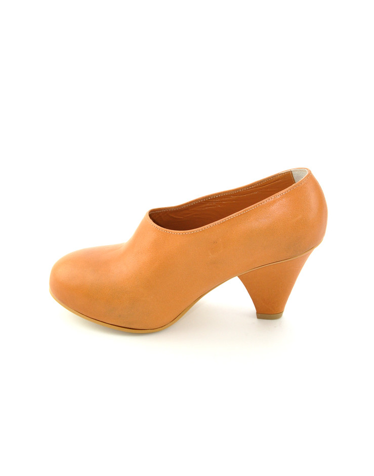 [Center for COSMIC WONDER センターフォーコズミックワンダー 公式通販] CONCEALED HEEP PUMPS - VEGETABLE TANNIN LEATHER