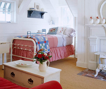 A Cottage in Red, White and Blue on we heart it / visual bookmark #25237682