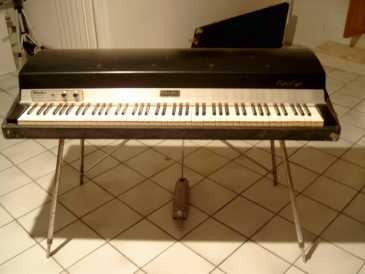 See an ad - Sells Digital piano FENDER RHODES - RHODES...