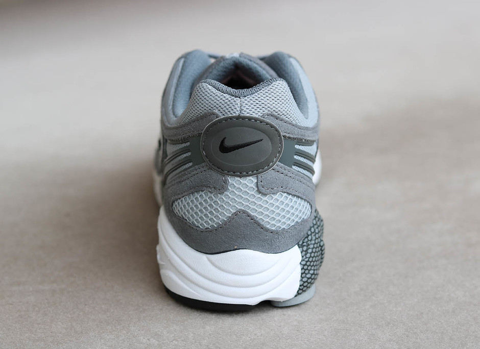 NIKE AIR GHOST RACER - A + S