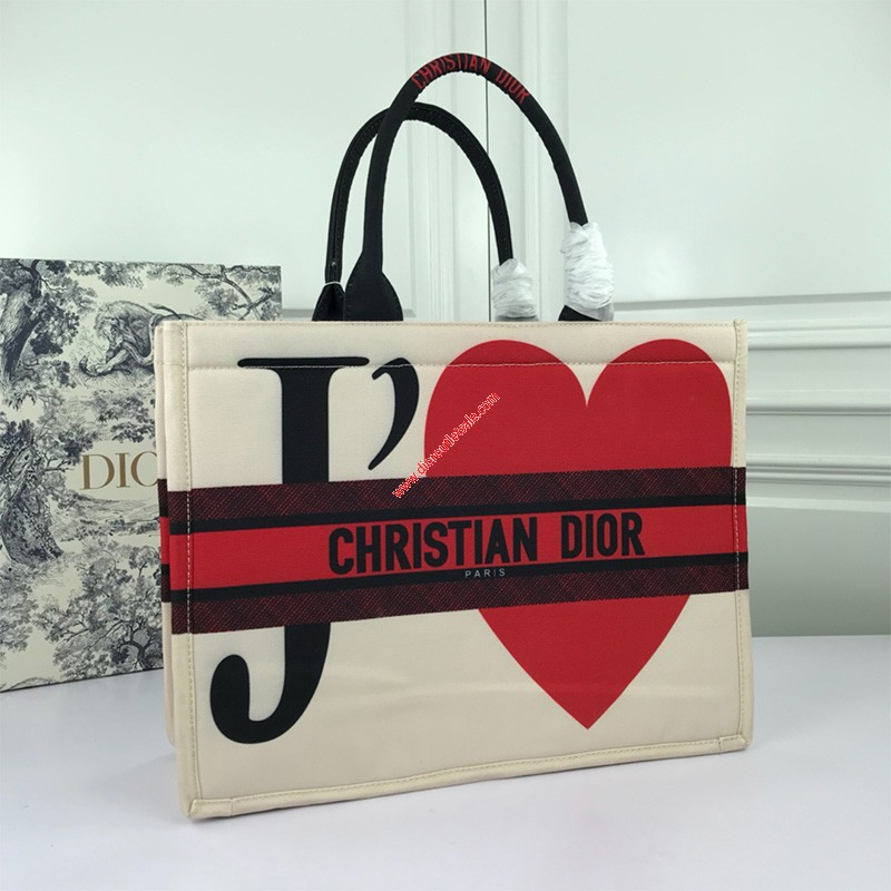 Dior Book Tote in Embroidered Canvas JE T'Aime
