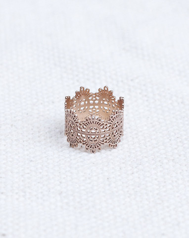 The Lace Ring in 14K Rose Gold By Oli+Me