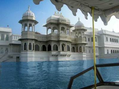 Luxurious Hotels of World: Taj Palace Hotels - Luxurious hotel with royal touch