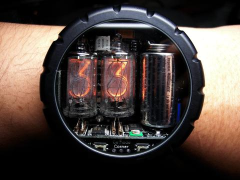 Nixie Watch by Cathode Corner