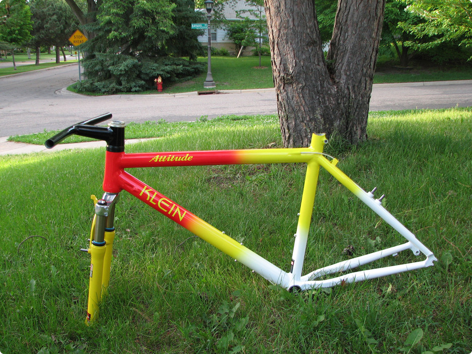 Google 画像検索結果: http://www.mistermoose.org/bikes/attitude96Nos/thumbs/IMG_7574-marquee-lg.jpg