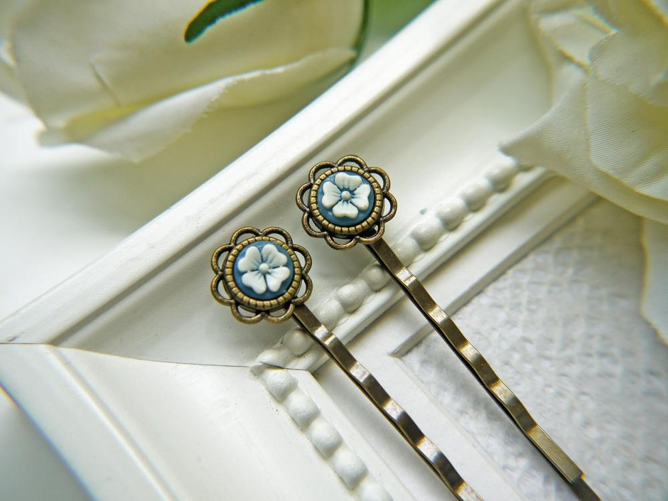Vintage White And Blue Flower Cabochon Hair PIns. Antique Brass Finish Flower Setting Bobby Pins | Luulla