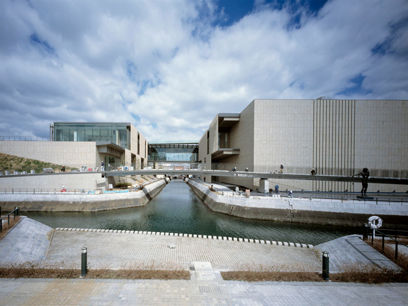 Nagasaki Prefecture Art Museum | kengo kuma and associates