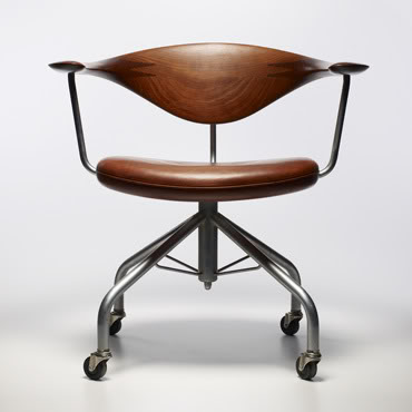 Hans Wegner leather and teak swivel chair - if
