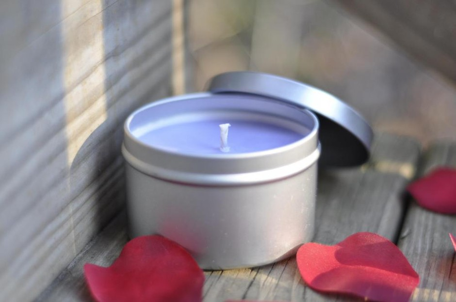 Sweet Pea And Vanilla Soy Candle 8 Ounce Tin, Great Way To Spice Up Your Home For Spring.   Luulla