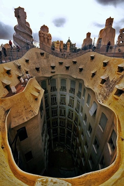 Great Buildings Image - Casa Mila