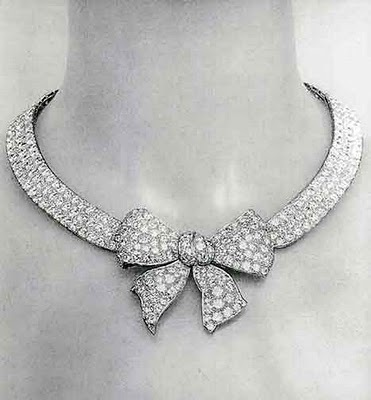 Joao Chaves: 1932 Diamond Necklace by Chanel. From Jewelry by Chanel by Mauries | We Heart It