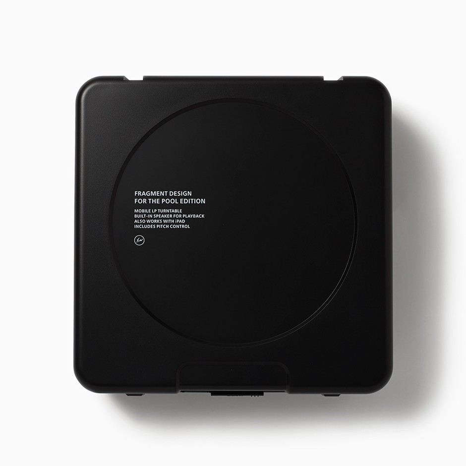 the POOL aoyama ONLINE STORE / ION AUDIO / THE POOL PORTABLE TURNTABLE|ION AUDIO