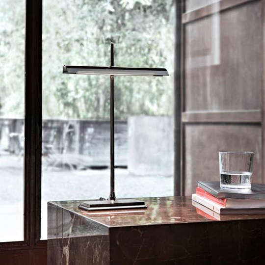GOLDMAN: Discover the Flos table lamp model GOLDMAN