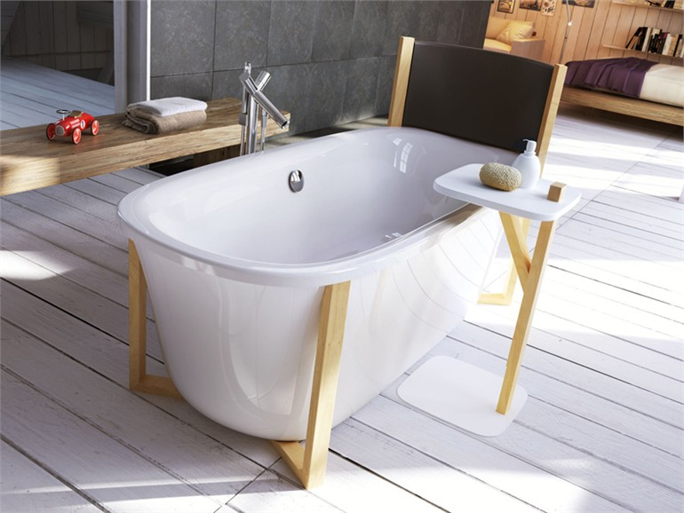 FREESTANDING OVAL BATHTUB MALMÖ DESIGN BY GIOPATO & COOMBES | GLASS IDROMASSAGGIO