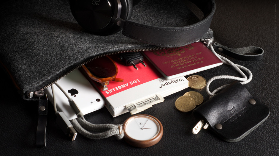Personal Pouch for your Magazines, Documents... | hard graft