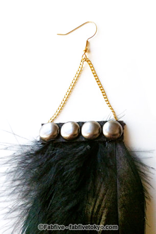 francisfrank Black Studded Feather Earrings - Fabfive ファブファイブ