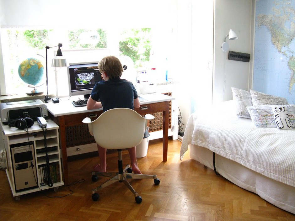 Inspiring Work Space Design Ideas: Clean Small Neat Workspaces Design With Simple Bed Creative Office Space – Airita.com