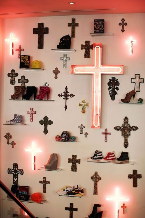 images / too many crosses
