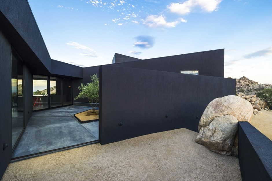 Architecture Photography: Black Desert House / Oller & Pejic Architecture (474095)