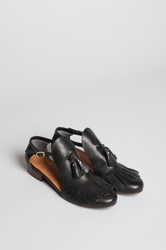 Totokaelo - COSMIC WONDER Light Source - Tassel Low Heel - Black