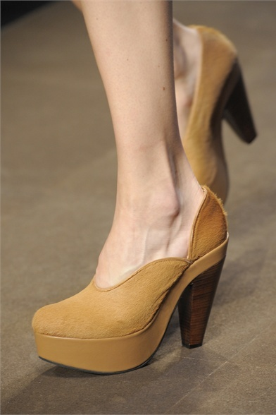 Carven - Collections Fall Winter 2012-13 - Shows - Vogue.it on we heart it / visual bookmark #24191227