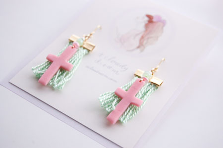 a cloudy dream|Candy pierce cross pink | webのレンタルボックス minne(ミンネ)