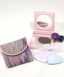 80's PLASTIC COMPACT MIRROR and BAG ~MARY KAY~ Accessories