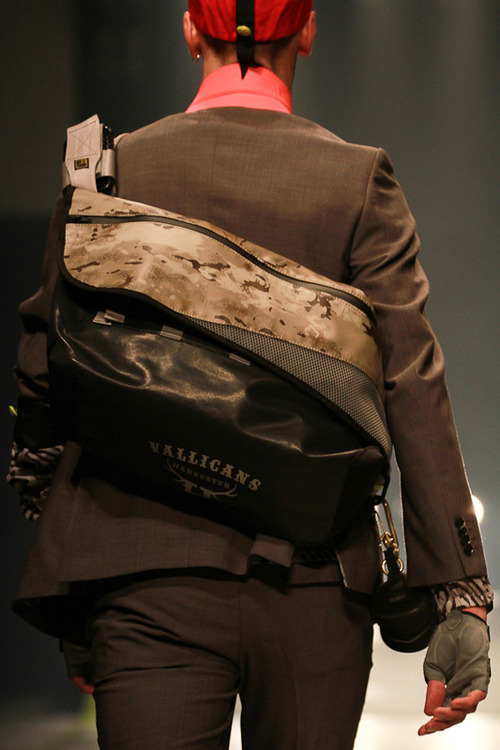 """RESISTANT """"レジスタント メッセンジャーバッグ"""" » GRIFFIN HARTLAND 2013SS"""
