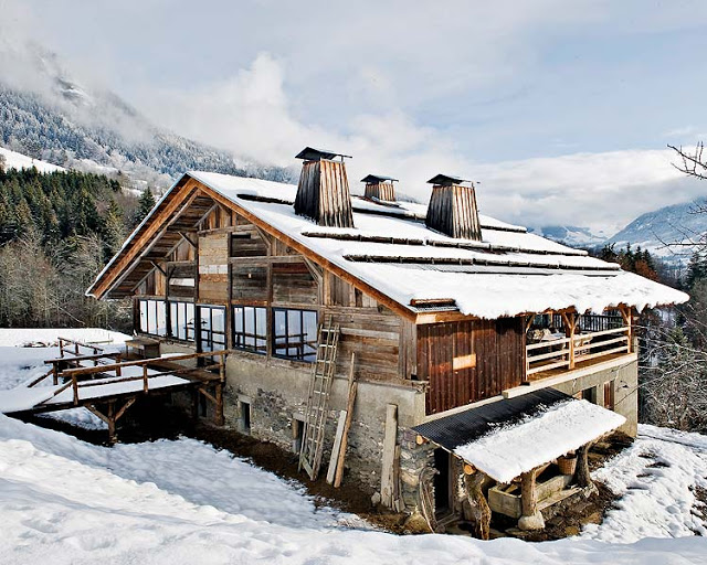 Adelina Dreams Of...: Wooden Hut in French Alps