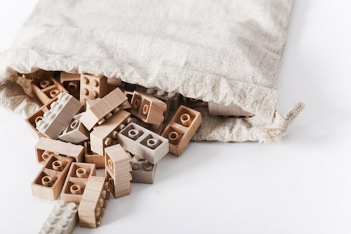 An Alternative To Plastic: Wooden LEGO Bricks - DesignTAXI.com