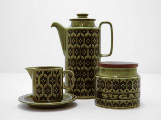 HORNSEA Pottery, 'HEIRLOOM' in green. Made in England, c1970s.   Le Grenier   Stock Page
