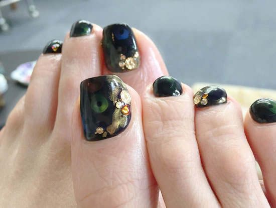 NAIL-COMMON: merry-go-round nail