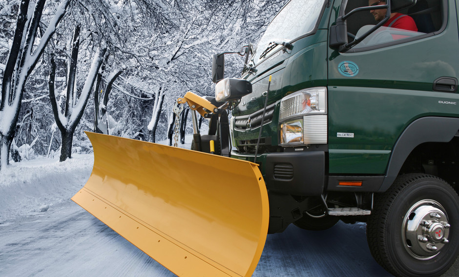 Google Image Result for http://www.mitfuso.com/Content/Images/News/High-Res/FUSO-Canter-FG4X4-with-Snow-Plow-Kit_high-res.jpg