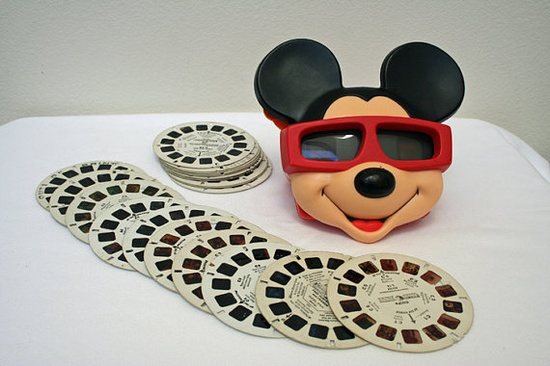 Disney / Vintage Mickey Mouse 3-D View-Master