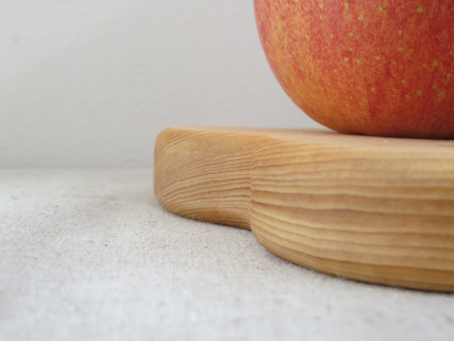 kamakura terrace - cutting board|small flower