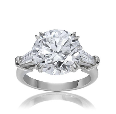 Classic Winston, Round Brilliant-Cut Ring