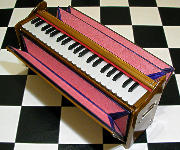 Indian Travel Harmonium : retro designed music store organ69