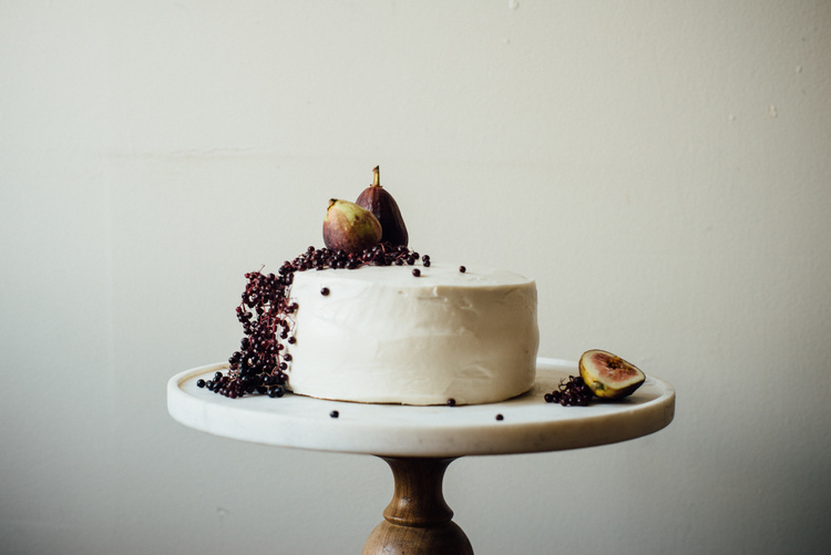 hazelnut layer cake w/ fig compote + (vegan) cream cheese frosting — dolly | and | oatmeal