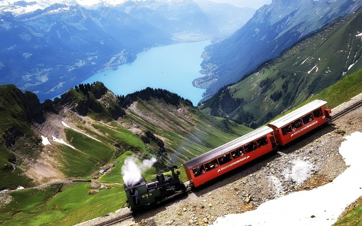 bigpreview_Old Switzerland train.jpg 710×444 pixels