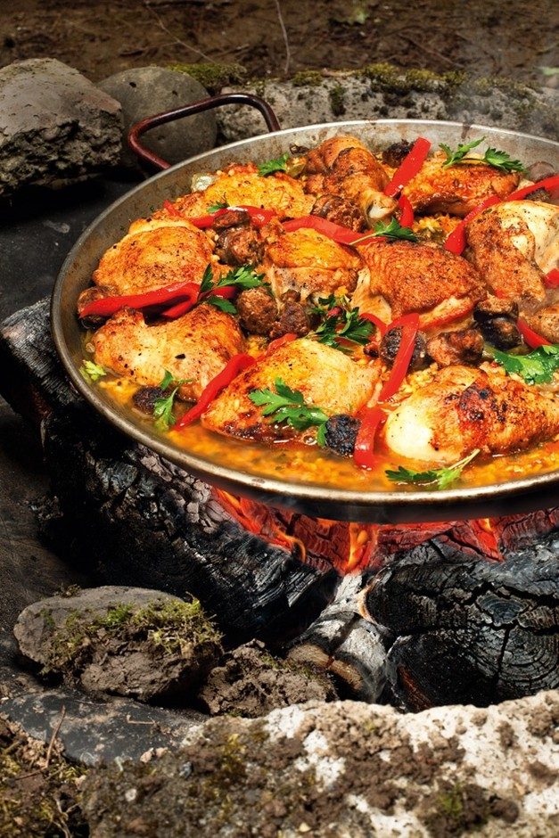 Paella pans are incredibly light (but large) ... | Backpacking Food...